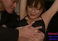 unostentatious babe acquires her pussy fingered
