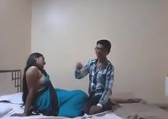 Indian Desi Fixture Enjoy Making love with Her Boyfriend with regard to Hotel