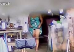 Voyeur - Desi Aunty close to Phat Gaand Caught Bathing primarily Spycam